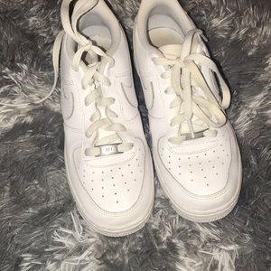 Air Force ones al white size 5.5 in youth men's